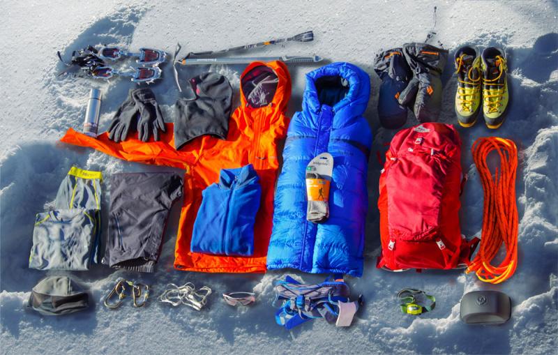 Набор одежды и снаряжения для восхождения на Эльбрус